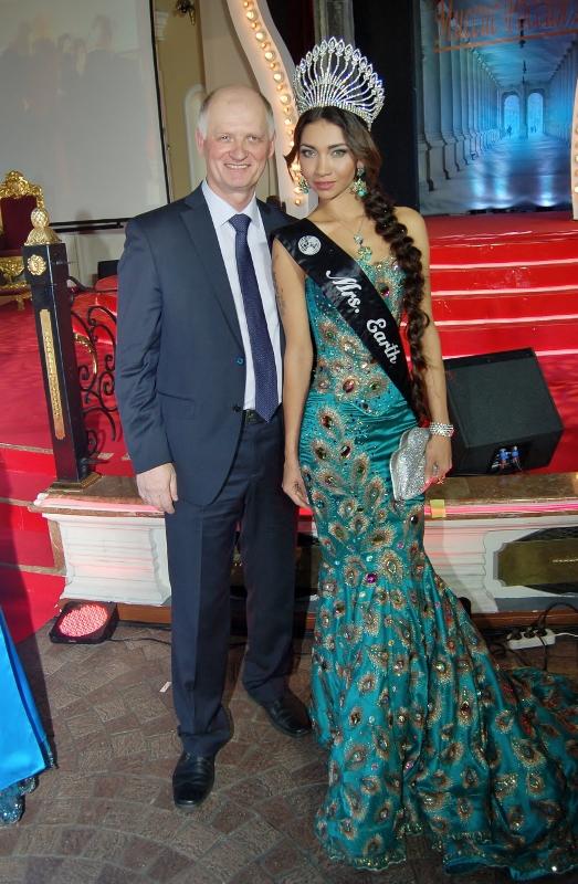 Журналист Сергей Акулич и Мисс Вселенная-2012 Анна Рин