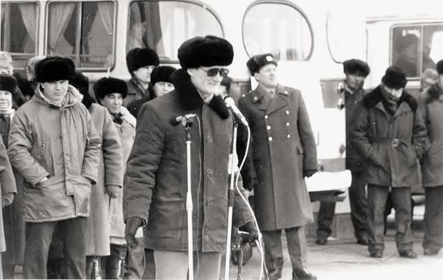 Выступление Сергея Акулича на одном из первых митингов Комитета содействия перестройке в Комсомольске. Конец 80-х.