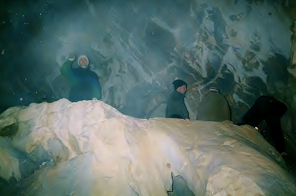 Приключения в пещерах Саболи. Фото Сергея Акулича