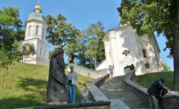 Подземный монастырь, Антониевы пещеры, Чернигов