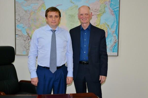 Руководитель Росрыболовства Илья Шестаков и журналист Сергей Акулич. Фото: Сергей Акулич